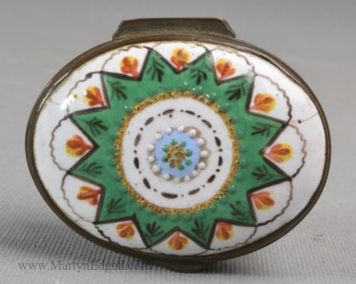 Antique Staffordshire enamel patch box