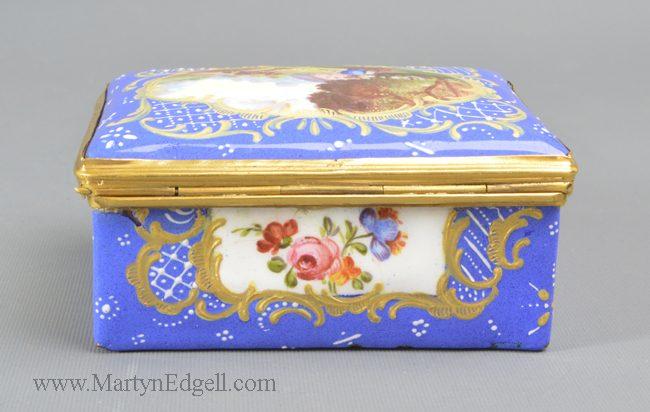 Antique French enamel snuff box