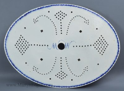 Antique pearlware pottery drainer