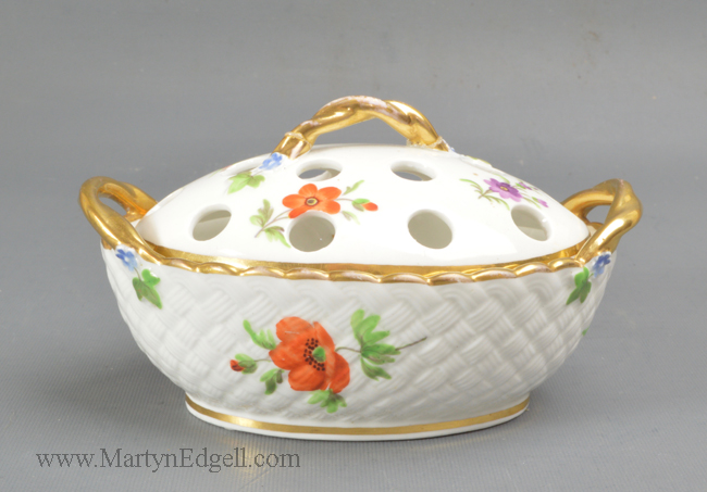 Antique Wedgwood porcelain potpourri