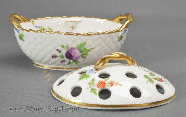 Antique Wedgwood porcelain potpourri