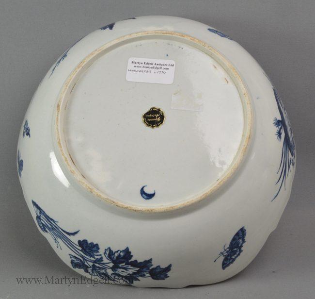 Antique Worcester porcelain junket dish