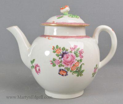 Antique Worcester porcelain teapot