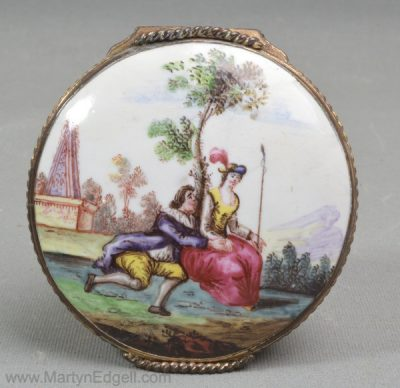 Antique Bilston enamel snuff box