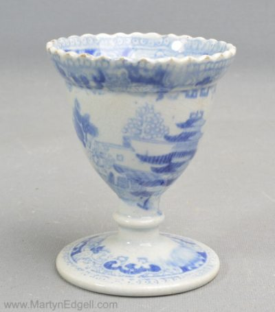 Pearlware egg cup