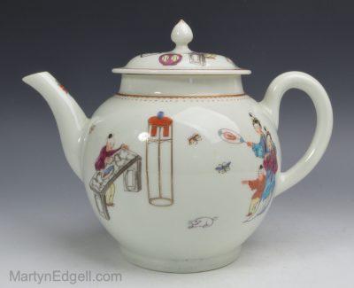 Worcester porcelain teapot