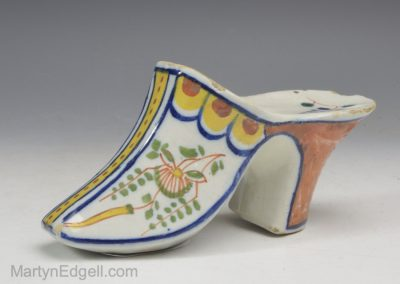 Dutch Delft shoe