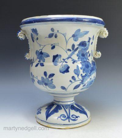 London delft vase