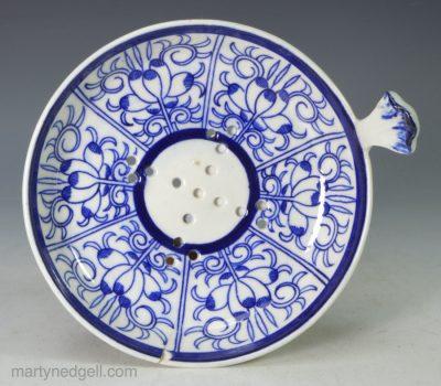 Worcester porcelain strainer